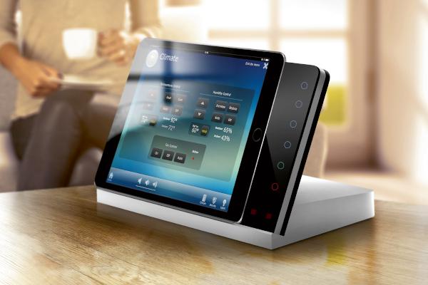 smart home steuerung mit rti fernbedienung tablet und controller. Black Bedroom Furniture Sets. Home Design Ideas